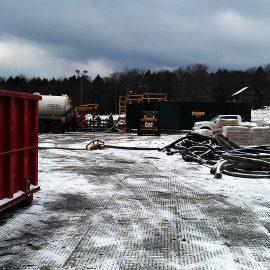 plaque de roulage Stabmat de Stabline sur chantier en hiver