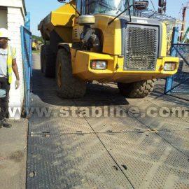 plaques de roulage Stabmat de Stabline pour stabiliser les camions
