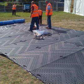 protection des sols grâce aux plaques de roulage Stabmat de Stabline